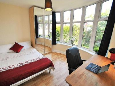 School Grove, 14 Bed, Withington, Manchester