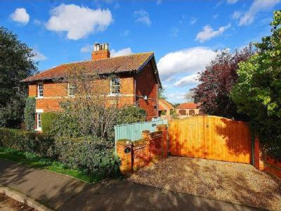 House for sale, 15 Meadow Lane