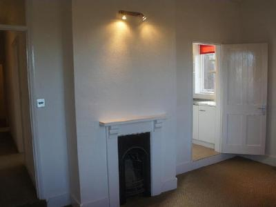 Flat to rent, St Marys Road - Garden