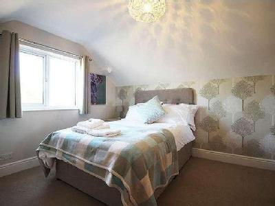 House to let, Waverley Road - Garden