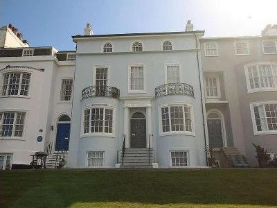 Queens Gardens Herne Bay Ct - Listed