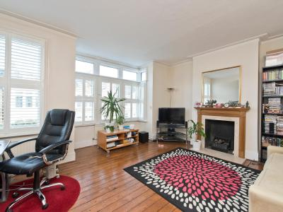 Flat to let, Gowan Avenue - Furnished
