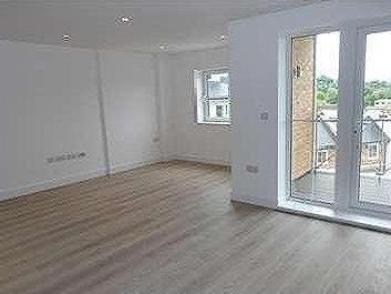 Flat to rent, Godalming, GU - Lift