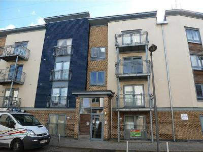 Flat to let, Quayside Drive - Modern