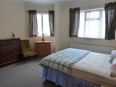 Flat to let, Albert Road - Reception