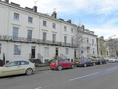 Flat to rent, Leam Terrace - Listed