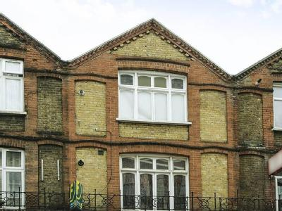 Flat for sale, Clarence Road