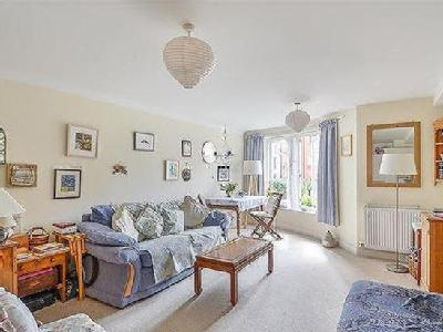 Flat for sale, Quakers Court
