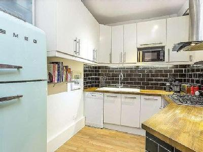 Flat for sale, Swan Yard - Conversion
