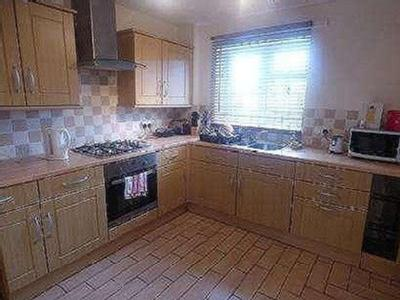 Flat for sale, Hunters Close