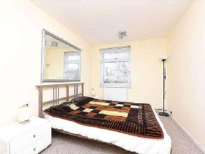Flat for sale, Arnal Crescent - Patio