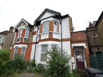 House for sale, Oakfield Road - House
