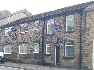 Church Street, Littleborough. First floor flat in a central location, ideal investment property.