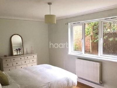 Flat to rent, Courland Grove - Flat