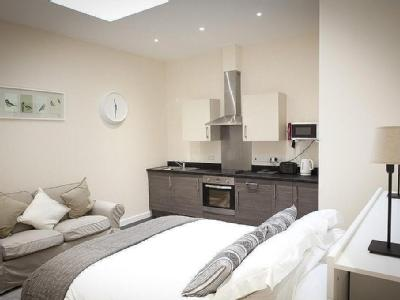 Serviced Apartment Close to town and waterfront