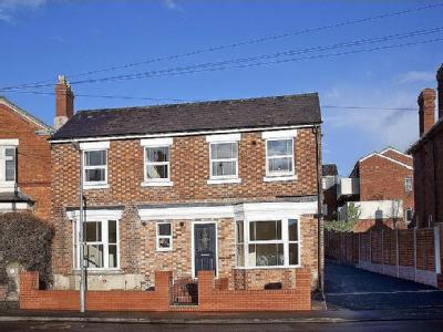 Ombersley Street West, Droitwich, WR9