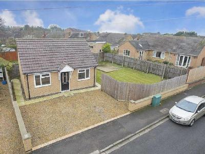Westhill Close, Kettering - Detached