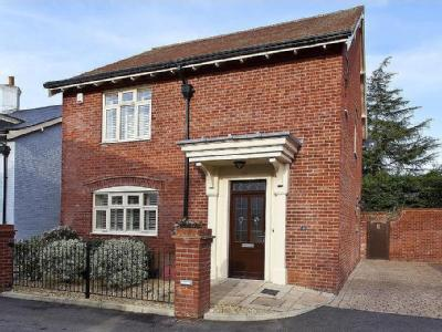 Homefield Close, Winkton, Christchurch BH23