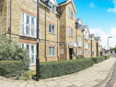 Flat for sale, Perivale