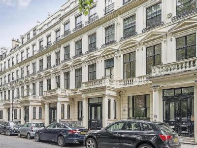 Cleveland Square, Bayswater - Modern
