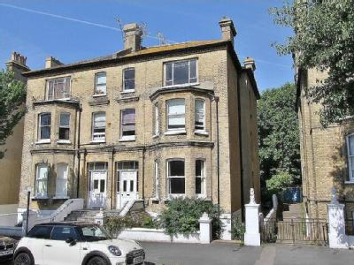 Flat for sale, Wilbury Road