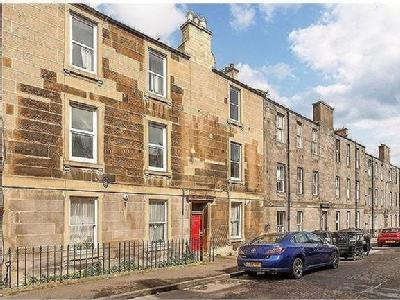 Leith, EH6 - High Ceilings, Flat, Gym
