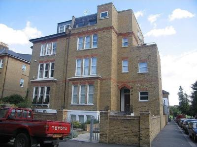 Flat 2, 44 The Gardens, Dulwich, SE22