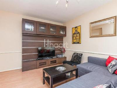 Balham grove sw12 london property homes to rent in balham grove caistor road sw12 refurbished malvernweather Choice Image