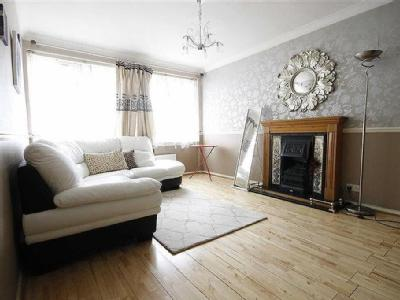 ... Flats To Rent In University Of East London. Romford Road, Stratford    Reception