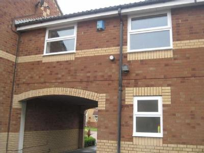 Blackurn Ave, Brough - Parking, House