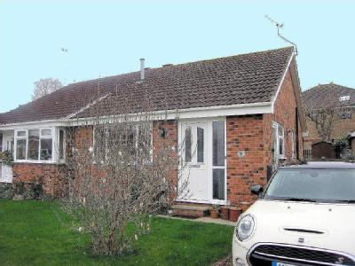 House to let, Wold View - Parking