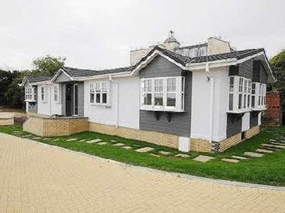 Montevideo Park Weymouth - Furnished