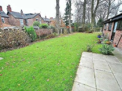 Plumley Close - Bungalow, No Chain