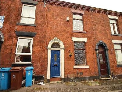 Oswald Street Shaw Oldham - Listed