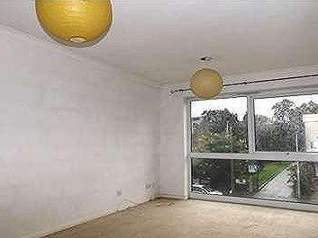 Flat to let, South Woodford - Garage
