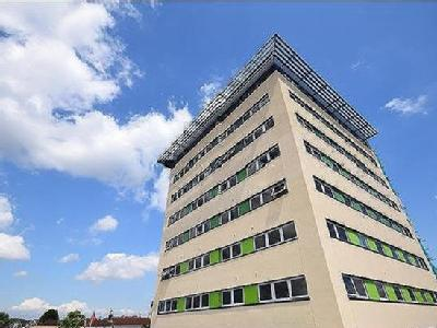 Flat to rent, Beacon Towers - Modern