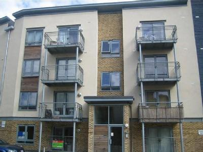 Flat to rent, Quayside Drive