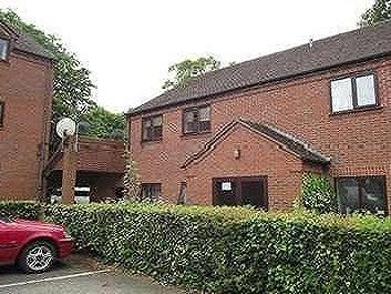 Checketts Court, Droitwich Road