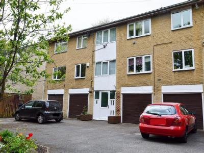 Flat for sale, Craven Court - Balcony