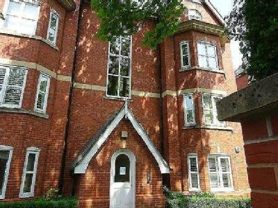Flat for sale, Stanley Road - Lift