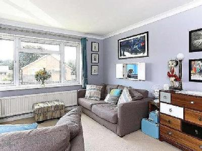 Flat for sale, Heron Close - Garden