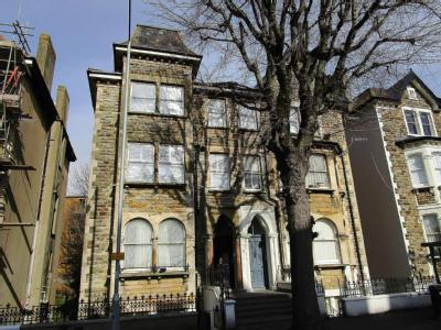 Flat for sale, Cromwell Road