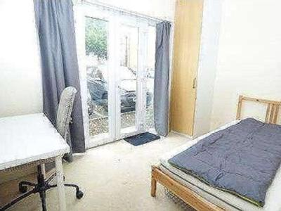 Flat for sale, Hassocks Close