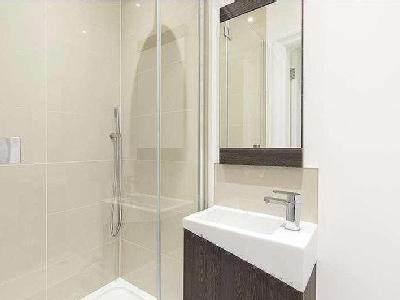 Flat for sale, High Street - En Suite