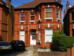 Top Floor Flat, Teignmouth Road, Willesden Green, Nw2, Nw2