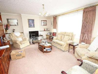 House to rent, Stonegrove - Reception
