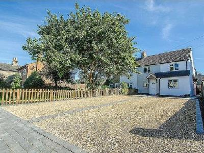 Hitchin Road Arlesey SG - Cottage