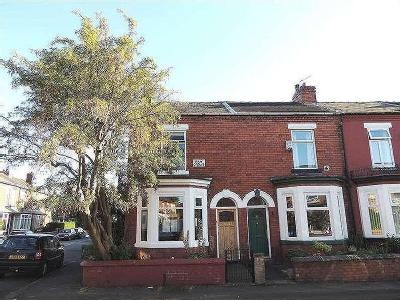 Property for sale, May Grove - Garden