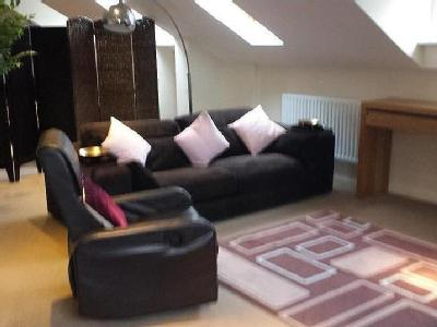 Flat to let, Baddow Croft - Penthouse