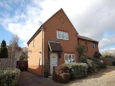 House to let, The Thatchers - Garden